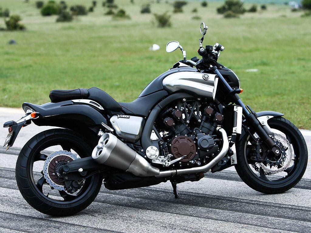 Harley Davidson V Rod Vs Suzuki Mr